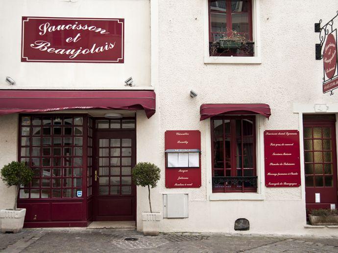 Saucisson et Beaujolais